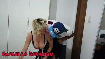 Donna matura fa un pompino: con Rafaella Denardin