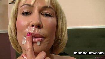 La MILF tettona adora il mio sperma sulla labbra